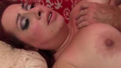 Жирная толстушка трахается в жопу