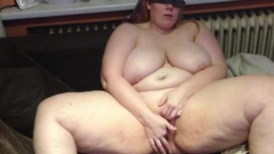 Полная девушка попросила сына снять домашнее порно