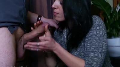 Муженек поставил женушку раком и здорово отымел в узкую щёлку