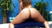 Опытный массажист исполнил сексуальное пожелание клиентки